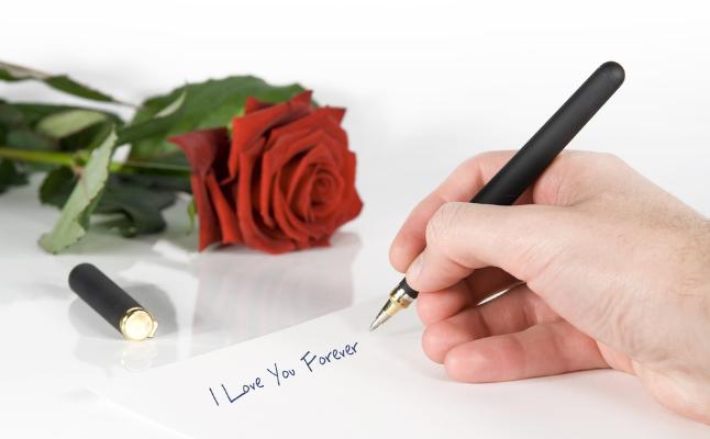 想いが伝わる!大好きな人の心が動く!今こそ書きたい「恋文」のススメ