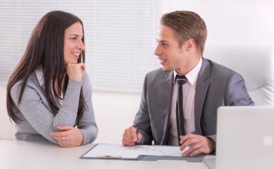 同僚の女性がある日、恋愛対象に!男性の意識が変わった瞬間エピソード