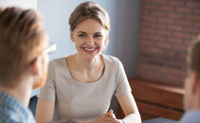 第一印象、男性は女性のここを見ている!好感を持たれるポイント3つ
