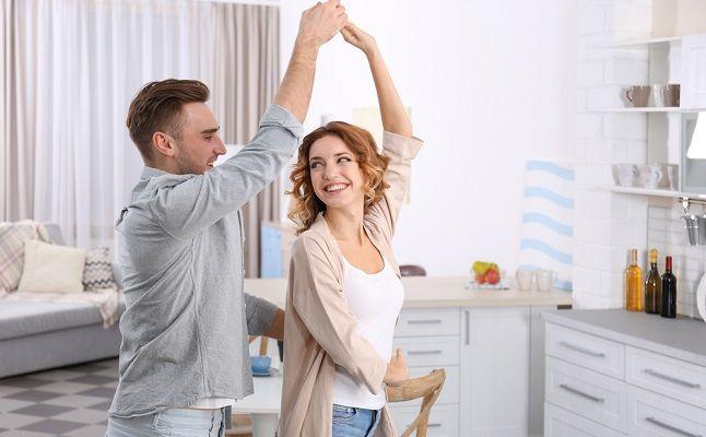 マスオさん婚、専業主夫家庭…多様な結婚スタイルの実践者にインタビュー