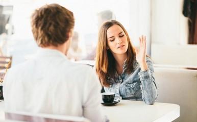 彼氏を傷つけず上手に不満を伝える方法!遅刻が多い、返信が遅い…