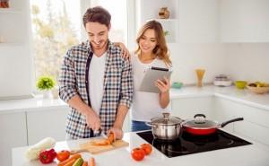 破綻しない同棲の秘訣!納得して家事分担するための3つの段階とは?