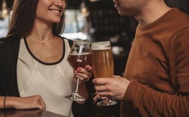 彼氏と「女友達」のサシ飲みが発覚!関係を聞く方法は?気持ちの伝え方は?