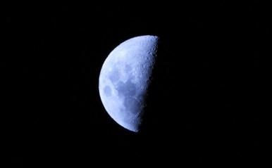 蠍座は自分らしさが開くとき!4月15日「下弦の月」月星座別☆メッセージ