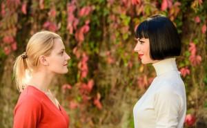 友達と同じ人を好きになった場合の対処法は?奪う、諦める、または…