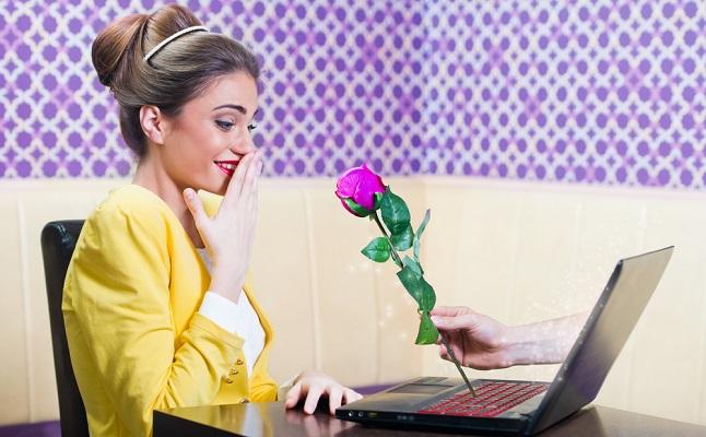家にいながら恋が始まる?SNSで…オンライン飲み会で…出会いのチャンスいろいろ