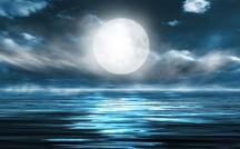 10月1日は「中秋の名月」!月のパワーにあやかる、恋の魔法をお届け