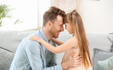 父親の星座でわかる「女性の恋愛傾向」!お父さんが蠍座のあなたは…