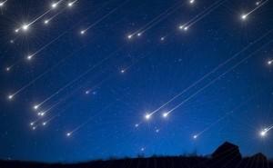 スーパームーンと月食のコラボに、流星群も!2021年の「天体ショー」